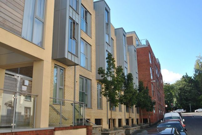 Thumbnail Flat to rent in Armidale Place, Bristol