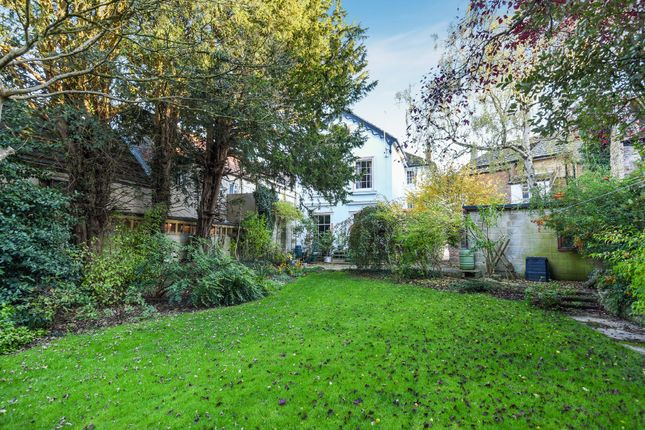 Thumbnail Town house for sale in Market Place, Faringdon
