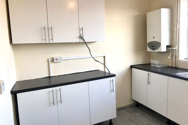 Thumbnail 2 bed flat to rent in Jubilee Crescent, Coventry