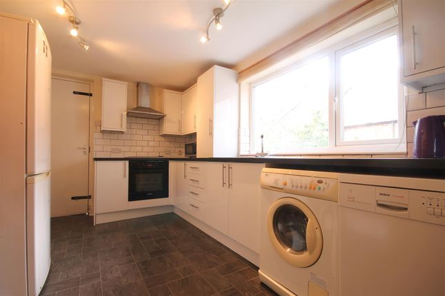 Thumbnail Flat to rent in Newlands Road, Newcastle Upon Tyne