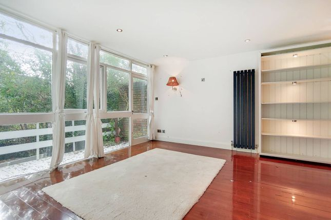 3 bed semi-detached house to rent in Southdown Drive, West Wimbledon, London SW20