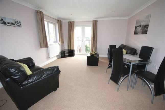 Thumbnail Flat to rent in Ty Rhos, Clos Gwylim, Llanbadarn Fawr