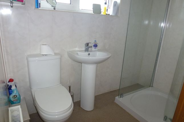 G/F Shower Room of St Annes Road, Leyland PR25