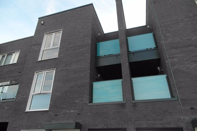 Thumbnail Terraced house to rent in Minter Road, Barking