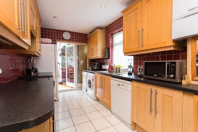 Thumbnail Terraced house to rent in New Road, London