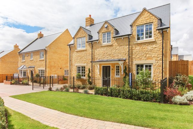 Thumbnail Detached house for sale in The Clifton, Walterbush Road, Chipping Norton