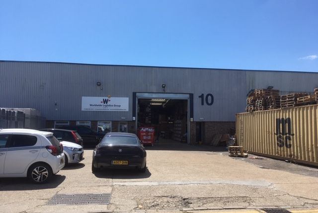 Thumbnail Warehouse to let in Repton Close, Basildon