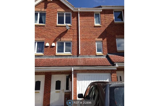 3 bed terraced house to rent in The Chequers, Consett DH8