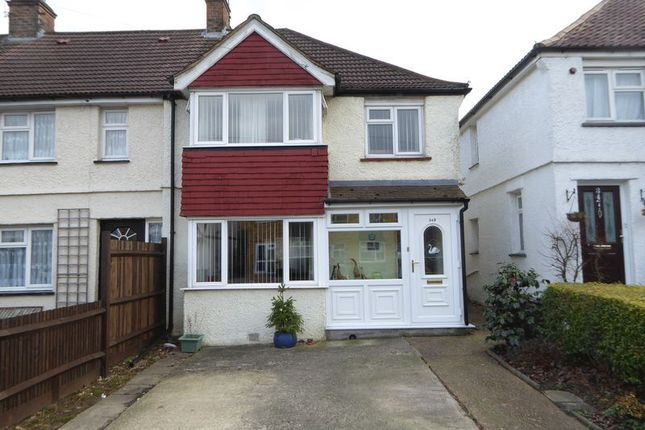Thumbnail Terraced house for sale in Chipstead Valley Road, Coulsdon