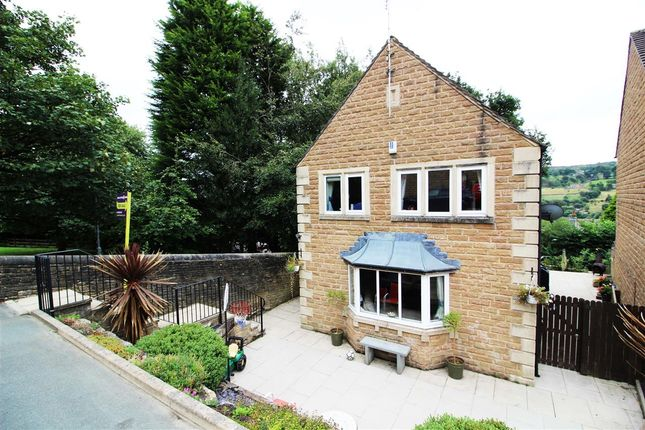 Thumbnail Detached house for sale in Orchard Rise, Sowerby Bridge