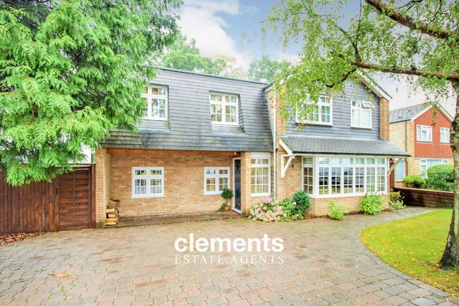Thumbnail Detached house for sale in Windermere Close, Hemel Hempstead