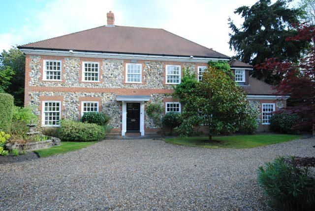 Thumbnail Property to rent in Woodcote Place, Ascot