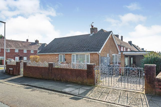 Photography of Clifton Avenue, Blackpool, Lancashire FY4