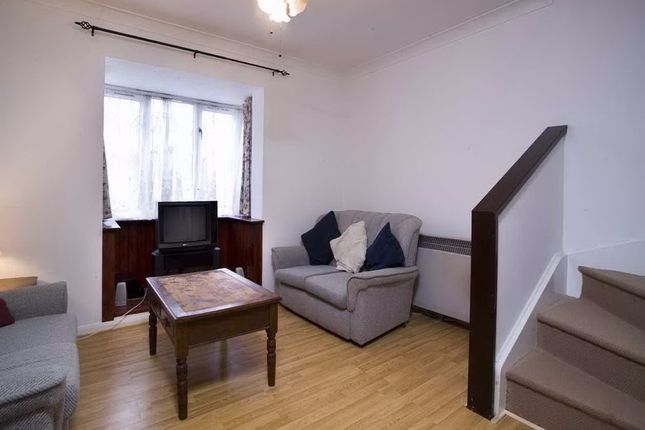 Thumbnail End terrace house to rent in Oxley Close, London