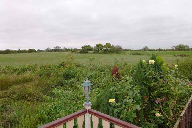Views of First Avenue, Woodside Park, Stalmine, Poulton-Le-Fylde FY6