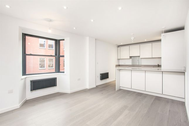 Thumbnail Flat to rent in 2-4 St Clements Street, Winchester, Hampshire