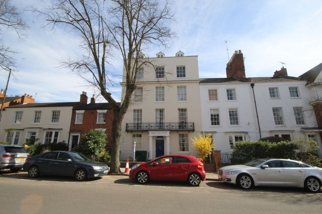 2 bed flat to rent in Portland Street, Leamington Spa