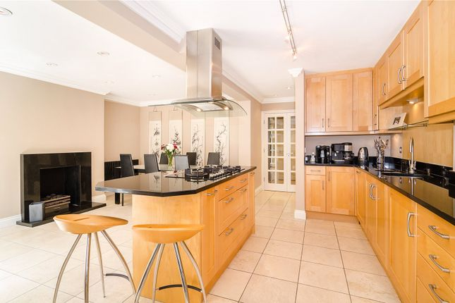 Picture No. 38 of Hampton Court Road, East Molesey KT8