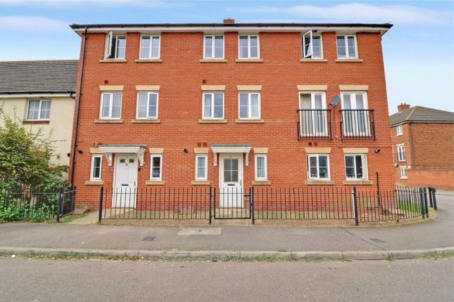 Thumbnail Town house to rent in The Runway, Hatfield