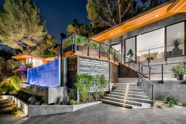 Thumbnail Town house for sale in 727 N Beverly Glen Blvd, Los Angeles, Ca 90077, Usa