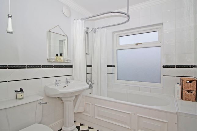 Bathroom of Kent Road, Longfield DA3