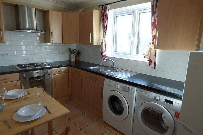 Kitchen of Hill Lane, Southampton SO15
