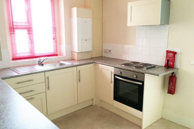 Thumbnail Flat to rent in Marine Drive, Flat 2, Rhyl
