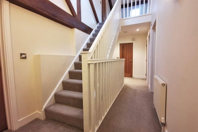 Hallway of Clive Green Lane, Stanthorne, Middlewich CW10