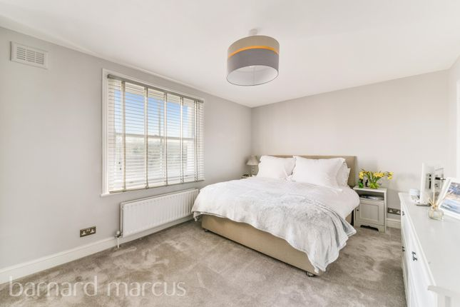 Thumbnail Flat to rent in Great North Road, London
