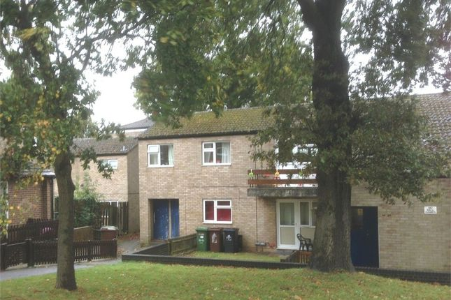 2 bed flat to rent in Southbrook, Corby, Northamptonshire