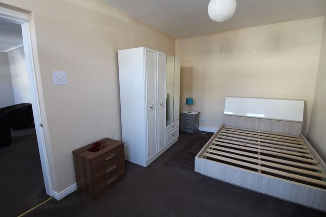 Thumbnail Flat to rent in Mayfair Road, Darlington