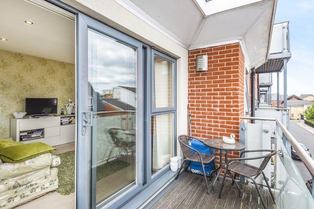 Balcony of Heron House, Rushley Way, Reading RG2