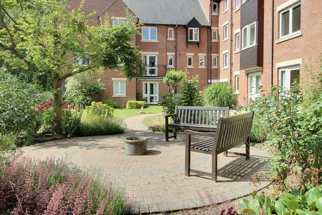 Thumbnail Flat to rent in Riverway Court, Recorder Road, Norwich
