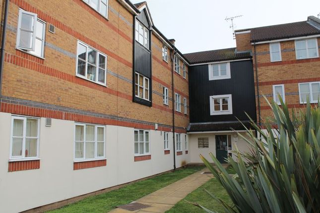 Thumbnail Flat for sale in Hispano Mews, Enfield