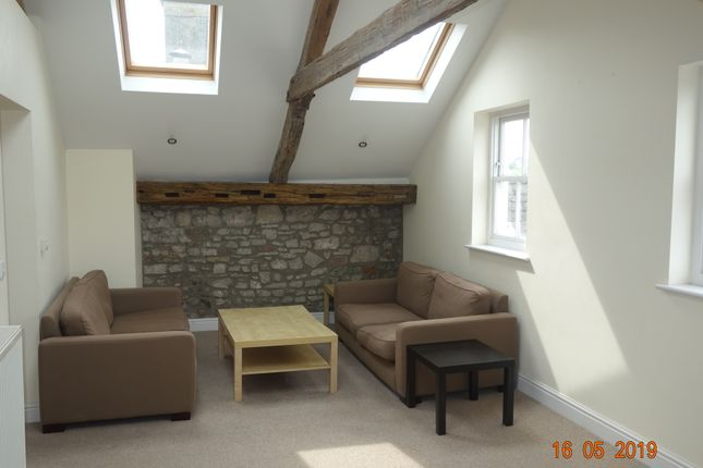 Thumbnail Flat to rent in Kensington House, Flat 5, Castle Lake, Haverfordwest.