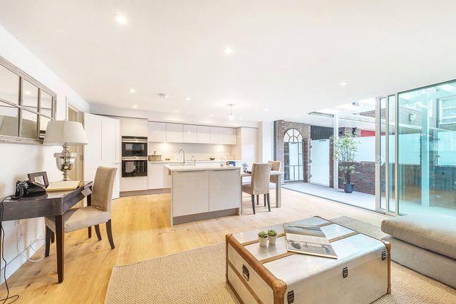 Thumbnail Flat for sale in Pier House, 31 Cheyne Walk, Chelsea, London