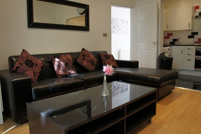 Thumbnail Terraced house to rent in Albion Road, 8 Bed, Fallowfield, Bills Included, Manchester