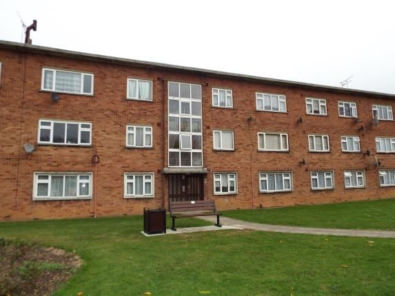 3 bed flat for sale in Cranbrook Road, Ilford, Essex