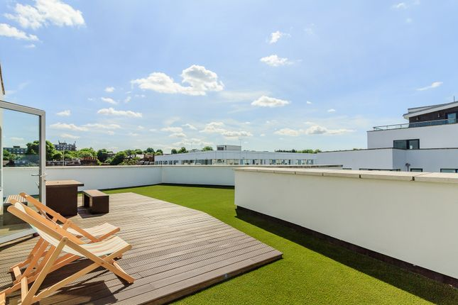 2 bed flat for sale in 73A Drayton Park, London