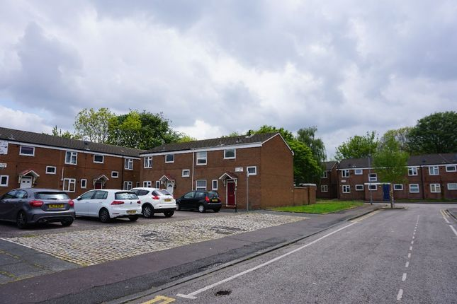 Terraced house to rent in Fairlawn Close, Rusholme