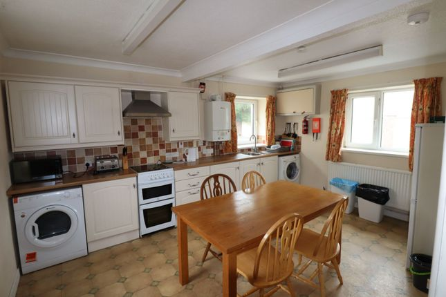 Cottage Kitchen of Picton Place, Carmarthen SA31