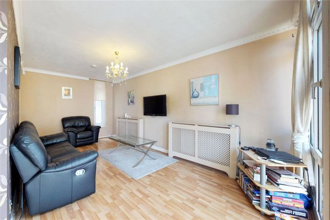 Thumbnail Bungalow to rent in Mallard Close, London
