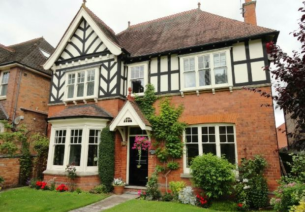 Thumbnail Detached house to rent in Worcester Road, Malvern