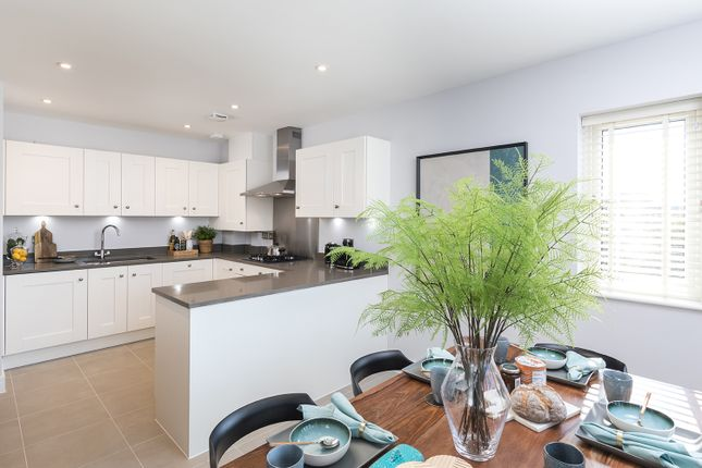 Thumbnail Detached house for sale in Reigate Road, Horley