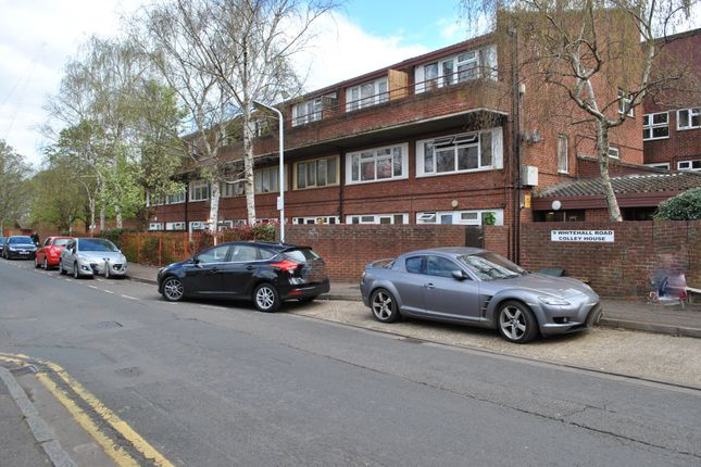1 bed flat to rent in Colley House, Whitehall Road, Uxbridge