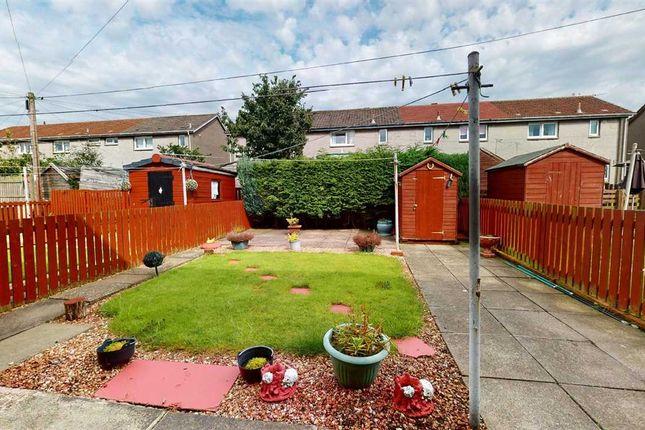 Garden of Wardlaw Crescent, Oakley, Dunfermline KY12