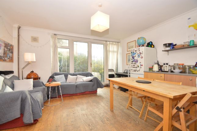 Thumbnail Maisonette to rent in Weymouth Terrace, London