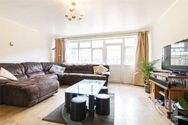 4 bed property to rent in Bradstock Road, London