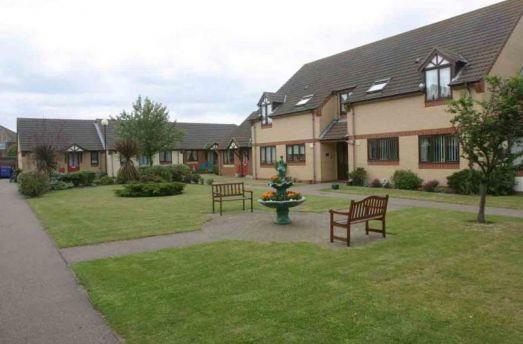 Thumbnail Flat to rent in Wensum Gardens, Lowestoft