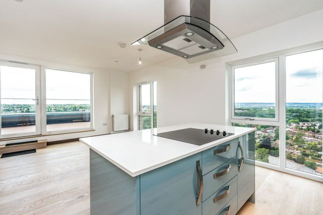 Lounge / Kitchen of Waterhouse Avenue, Maidstone ME14